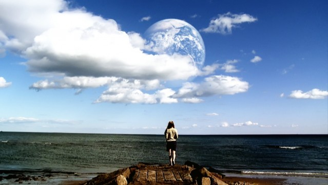 4_AnotherEarth_pan