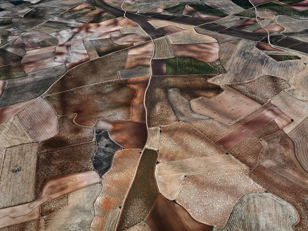 Art Blog - Edward Burtynsky - Empty Kingdom